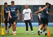 """MU: """"Sợ"""" Trung Quốc, Mourinho chỉ muốn đến Mỹ du đấu"""